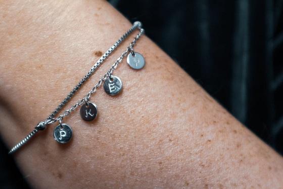 gepersonaliseerde armband met bedels