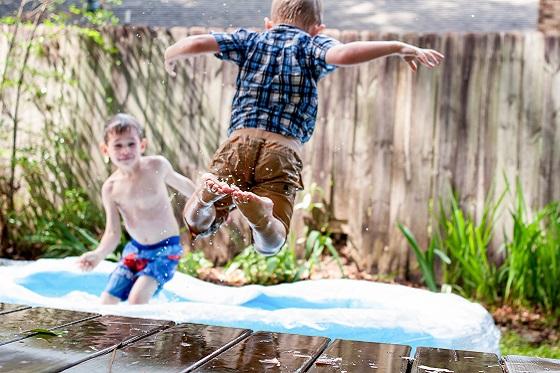 spelende kinderen - 5 tips voor een kindvriendelijke tuin