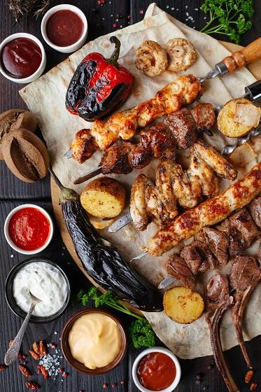 Vlees en groentes van de BBQ