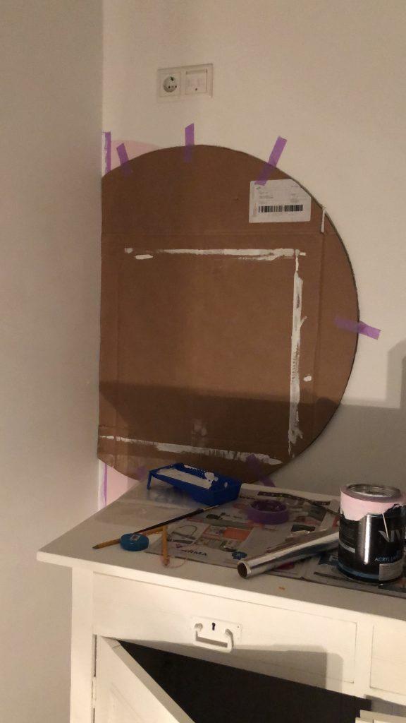 Hoe maak je een cirkel met verf op de muur?