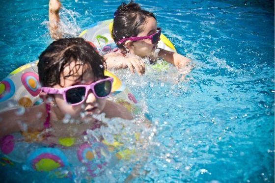 Een zwembad in je achtertuin