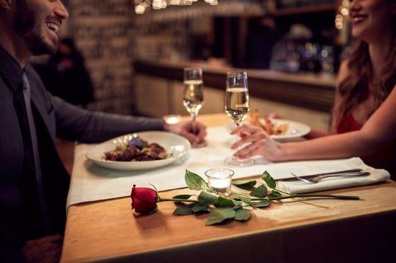 date night uit eten gaan